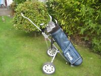 VANTAGE GOLF CLUBS IN PING BAG WITH TROLLEY RIGHT HAND
