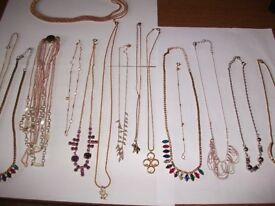 15 BEAUTIFUL RETRO CHAINS & NECKLACES ONLY £25,