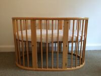 Stokke Sleepi Cot with mattress, topper and sheet