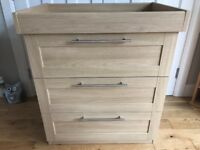 Chest of drawers/changer - Mamas & Papas Rialto - natural oak