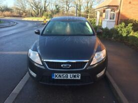 Ford Mondeo 2.0 Zetec in great condition. Clean, spacious, great looking and good handling.