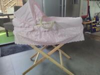 Moses basket with spare mattress sheets