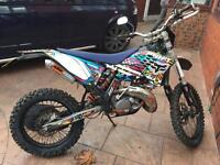 KTM 125 EXC REAL NICE BIKE AND HAD TOO END REBUILD 2HR RID CASH SALE ONLY