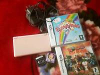 Nintendo ds pink + 3 games + 2gb card