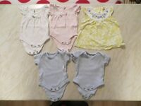Tiny baby clothes - up to 5 lb (girl)