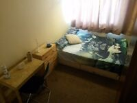 Comfortable double bedroom , great area, DONT MISS IT!!