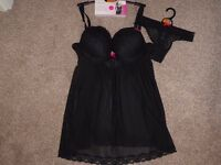 Marks and Spencer Babydoll and Matching Knickers (Size 32DD)**NEW***