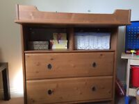 Chest of drawers with changing unit