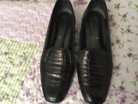 Black vandal shoes
