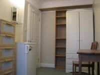 Room available for one person in W12 - vey close to Westfield (bills inc)