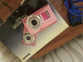 Sanyo digital camera pink red nice little cam . Cheap samsung sony