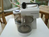 Kenwood chefette with whisks, dough hooks and blender