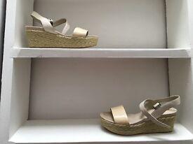 BARGAIN Stylish Summer Wedge Sandal