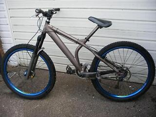 High Spec Giant Acid Mountain Bike