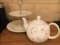 Teapot and cake stand set