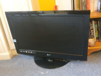 """LG 323000 32"""" Widescreen HD ready LCD Television with Freeview- Collection only- Clapham, London"""