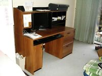 PC desk/Computer Workcenter L136 x w60 x h120 cm.