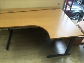Good quality office desks (FREE DELIVERY)