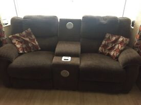 Lazy boy electric recliner with console