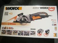 Worxsaw WX426 laser , 3 blades, Hard case, new sealed box.