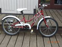 HALFORDS APOLLO IVORY GIRLS BIKE WITH GEARS AGE 7 - 9