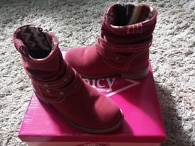 2x boots size 12 1pair brand new other pair been worn once