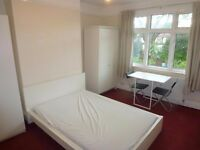 SPACIOUS DOUBLE ROOM WITH VIEW ON THE GARDEN TO RENT IN ACTON TOWN (ZONE 3) - PICADILLY LINE