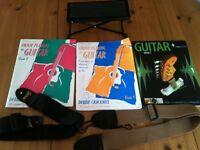Guitar foot stool + 2 straps + books