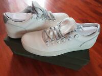 Timberland white men shoes as new. Size UK 8.5 - EU 43.
