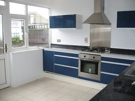 ***Must see/Will go*** 4 bed with vast storage space and garden