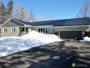 $294,000 - Bungalow for sale in Hawkesbury