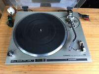 Pioneer PL-200 turntable with two headshell's/Stylus