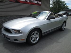 2010 Ford Mustang LOW KM!!! WOW!!!