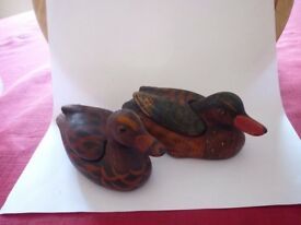 Duck trinket boxes and ornamental chickens