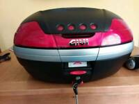 Givi V46 top box BRAND NEW