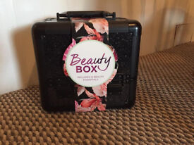 Beauty Box (Sally)