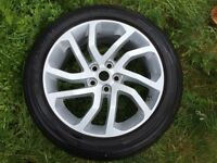 "Land Rover Discovery 4 Style 511 20"" alloy with Pirelli Scorpian"