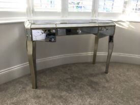 Gorgeous NEXT Bedroom Juliette Mirrored Dressing Table - RRP £450