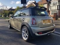 Mini Cooper S Face-Lift Model *FULLY LOADED* Nav* Panamaric Roof*Red Leathers*Low Millage*