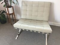 2 Barcelona chairs in cream. Designer and very good condition