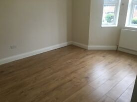 AN ENSUITE DOUBLE ROOM IN A MODERN HOUSE SHARE CLOSE TO TWICKENHAM AND WHITTON-INC BILLS