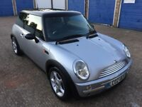 MINI COOPER 1.6 / PAN ROOF / FULL SERVICE HISTORY / 1 YEAR MOT / 2002 CHILLI PACK /2 KEYS / BARGAIN