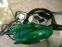 Vacuum cleaner with accessories
