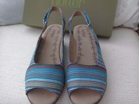 HOTTER, LADIES SHOES, NEW AND UNWORN. 4 1/2.
