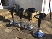 Height adjustable bar stools