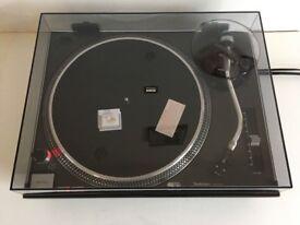 Technics 1210 mk2 turntable