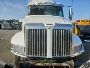 Detroit DT12 transmission , 12-speed overdrive. LOW MILEAGE ON THIS UNIT