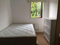 *1 Lovely double room, in a 5 bedroom house in Kilburn NW6 1XU - £160 per week