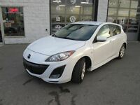 2010 Mazda MAZDA3 Hatch back, GS, Leather, 6 speed , keyless, al
