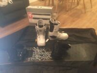 Atomic Hatchet 09 153cm Snowboard with Atomic Zombie L Bindings and Burton Moto Mens Boots Size 10.5